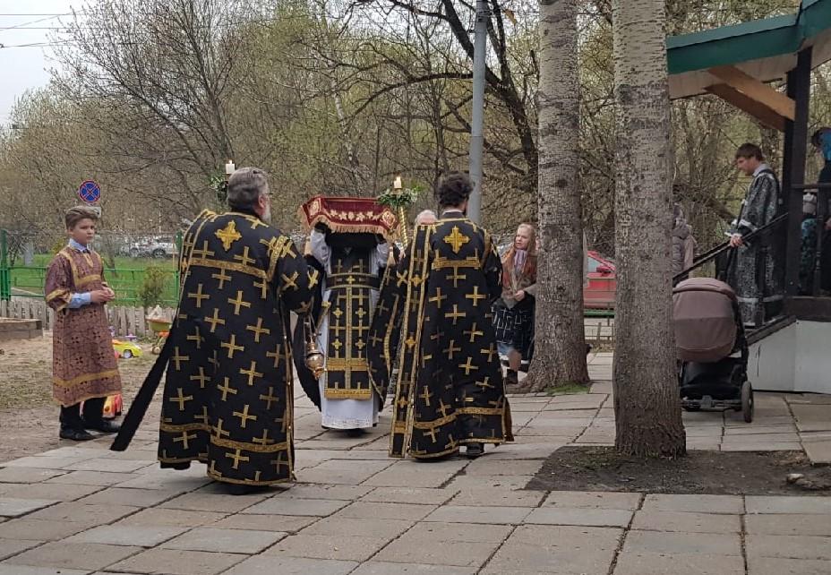 Утреня и чин погребения Плащеницы Спасителя